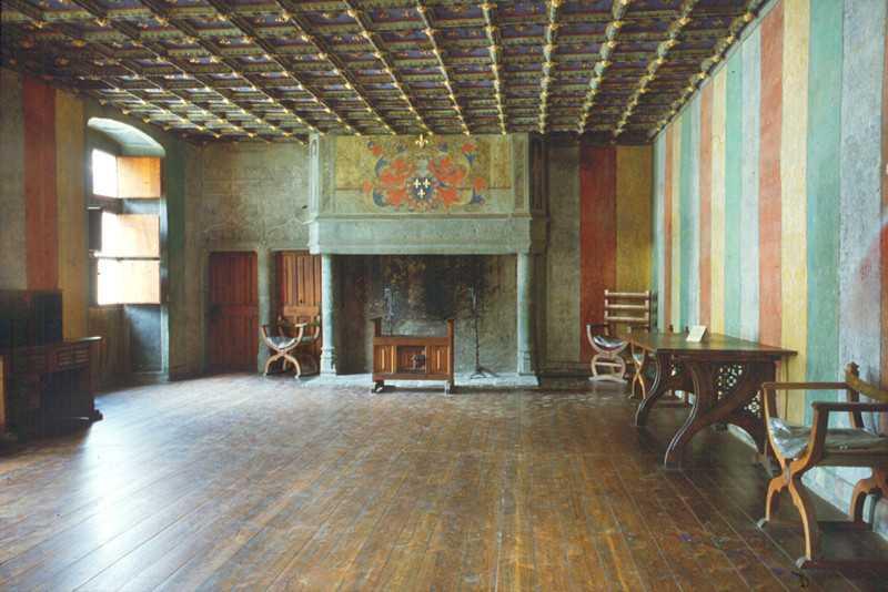 I pavimenti erano di quadrelli smaltati o verniciati for Abitazioni interni